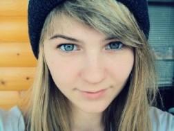 Dziewczyna Sandra Murowana Goślina